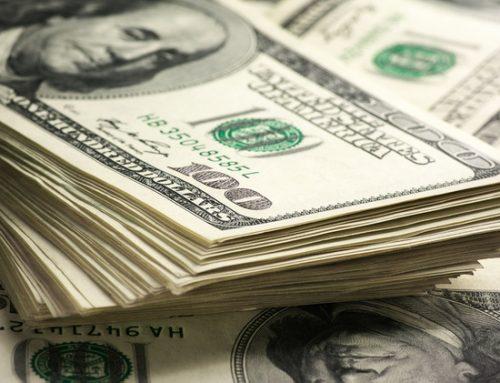 Pánico en los mercados globales y locales: Bolsa de Santiago cae casi 7% y dólar registra marca histórica de $850