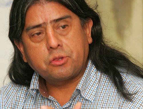 Aucán Huilcamán en el Senado aboga por la autodeterminación del pueblo mapuche y rechaza propuesta de escaños reservados