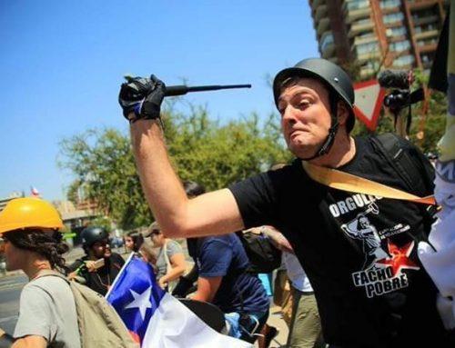 Enfrentamientos en La Condes entre partidarios y detractores de una nueva constitución