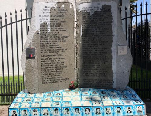 """Vuelven a vandalizar memorial por la """"Justicia y la dignidad""""; queda a 19 metros de una comisaría"""