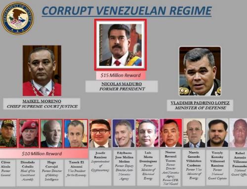"""Doctrina del shock: EEUU impone cargos de """"narco-terrorismo y corrupción"""" contra Maduro y ofrece US$15 millones por su captura"""