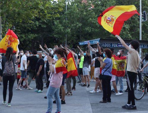 España comienza a controlar el Covid-19 pero no la virulencia de la ultraderecha