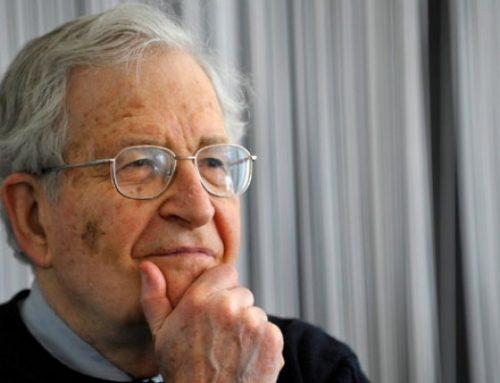 Chomsky: Estados Unidos corre hacia el abismo